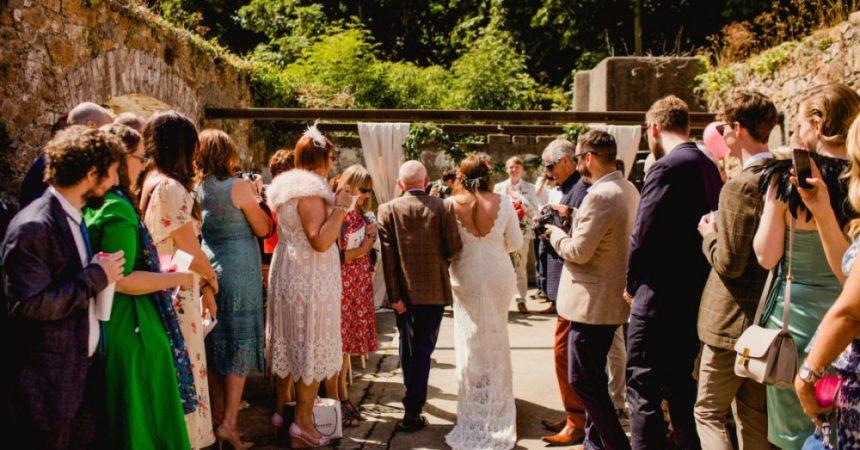 Cómo vestir en una boda de tarde