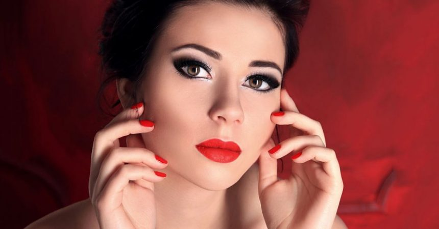 Trucos de maquillaje para caras redondas